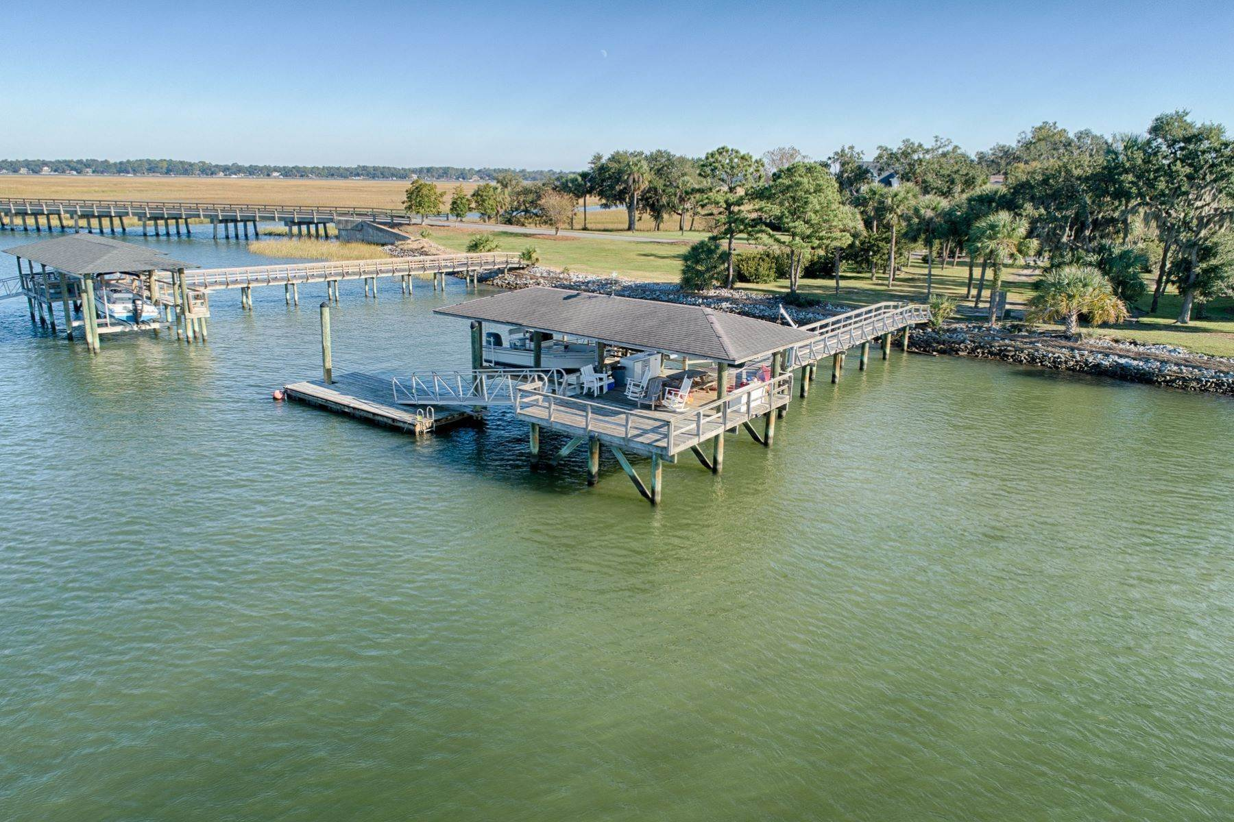 37. Single Family Homes for Sale at 108 Modena Island Drive Skidaway Island, Georgia 31411 United States
