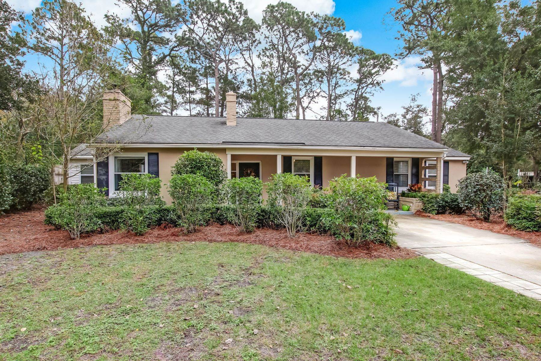 Single Family Homes for Sale at 9 Colonel Estill Avenue Savannah, Georgia 31406 United States