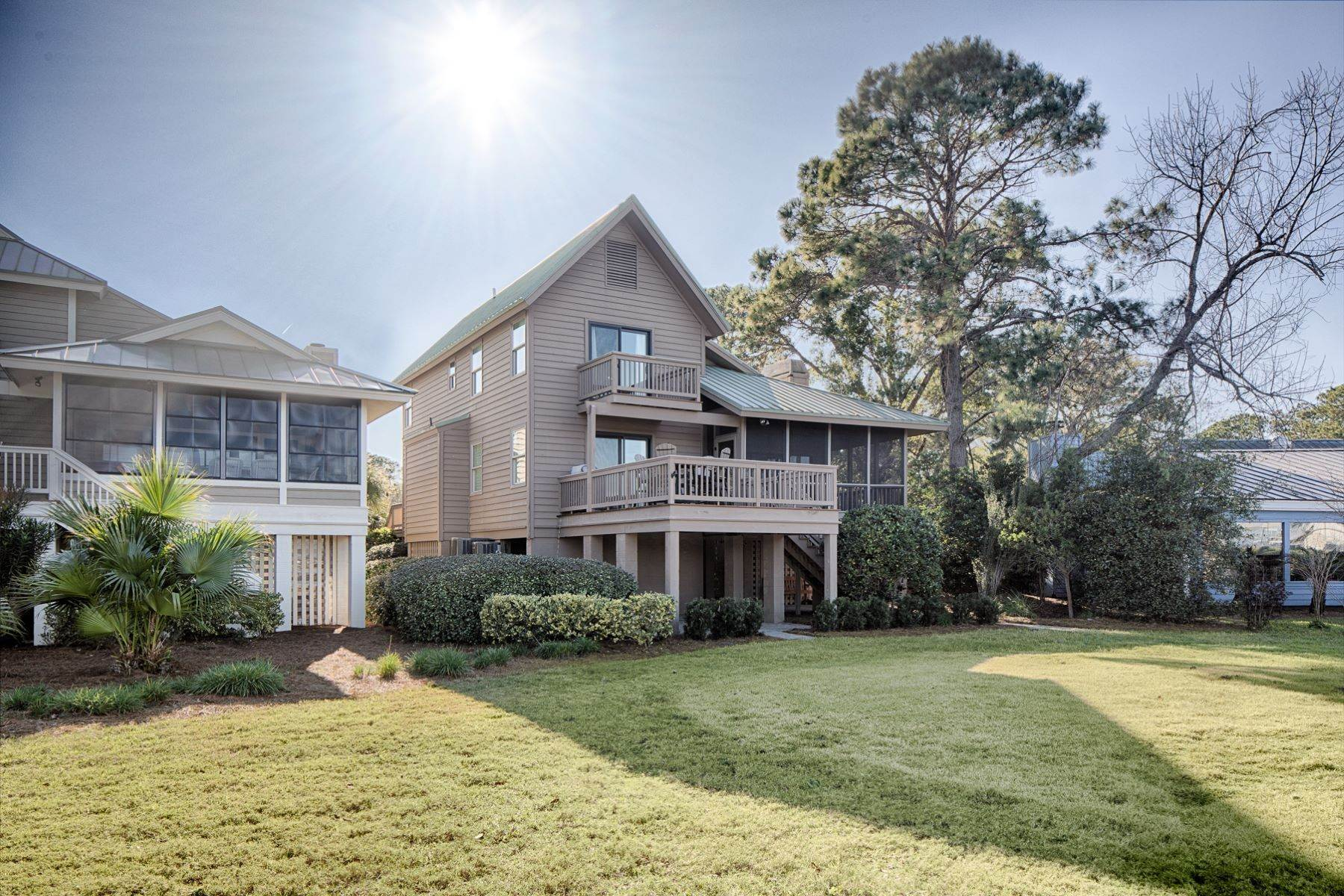 3. Single Family Homes for Sale at 12 Portside Drive Hilton Head Island, South Carolina 29928 United States