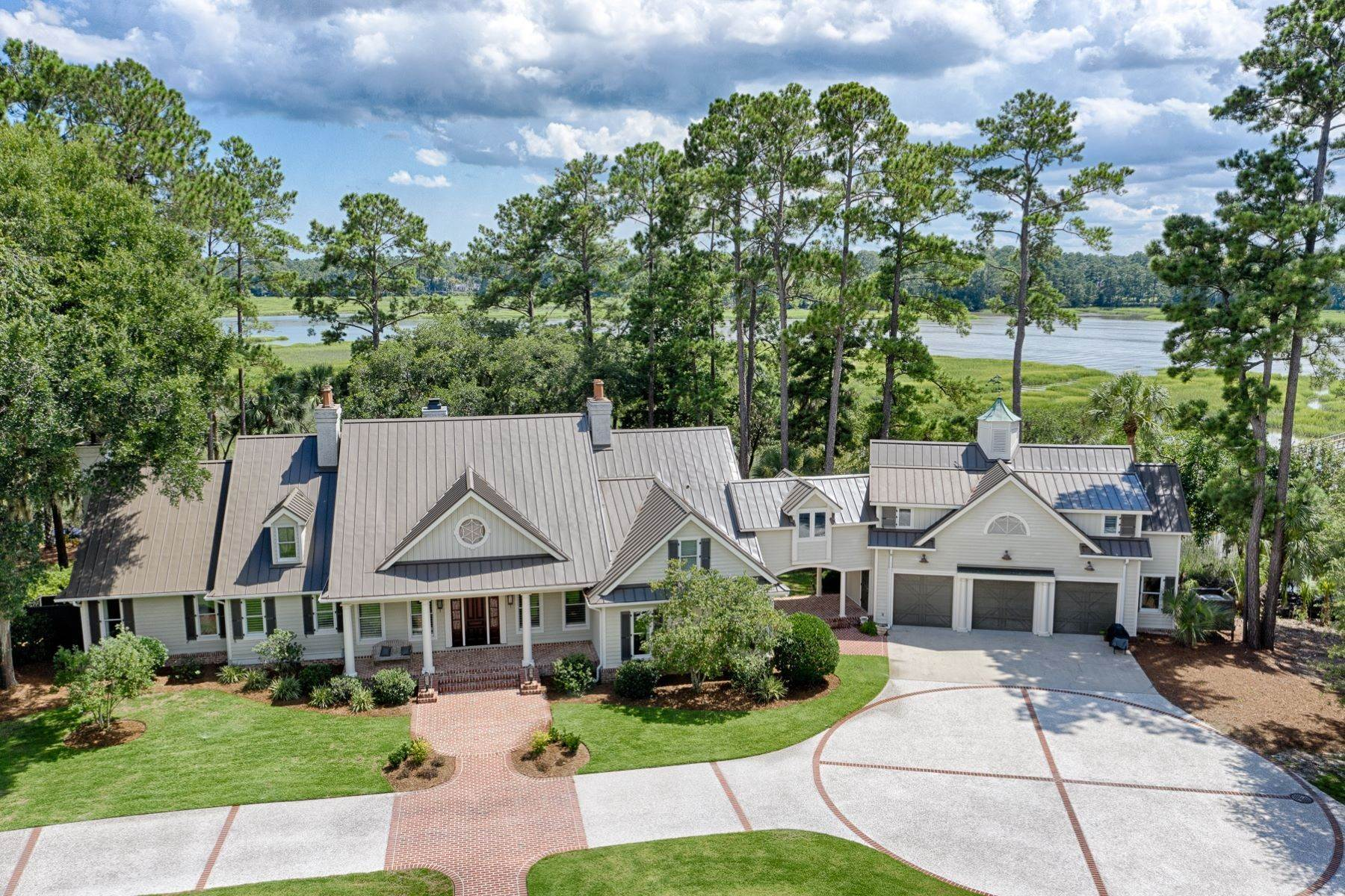 50. Single Family Homes for Sale at 7 Acres in Gascoigne Bluff 155 Gascoigne Bluff Road Bluffton, South Carolina 29910 United States