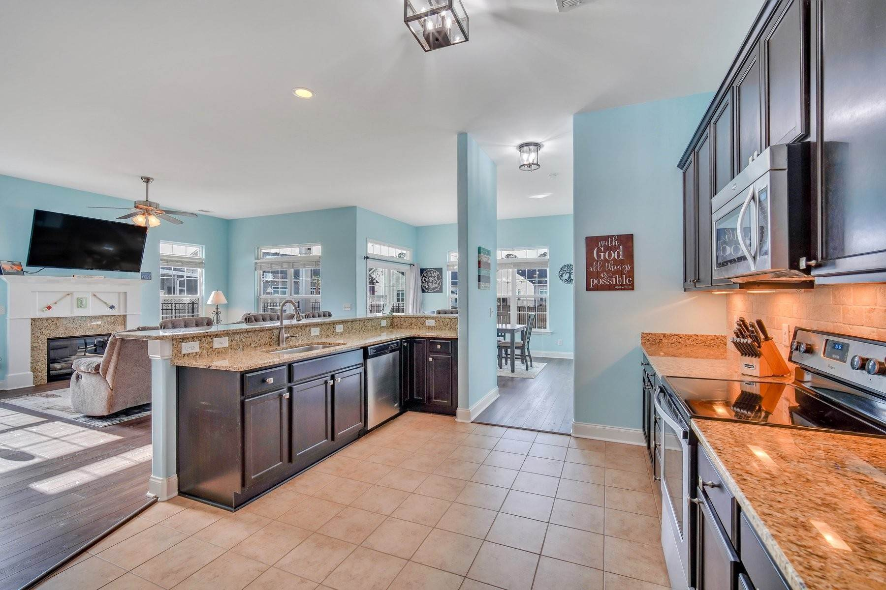 13. Single Family Homes for Sale at May Model in Hearthstone Lake 749 Hearthstone Drive Ridgeland, South Carolina 29936 United States