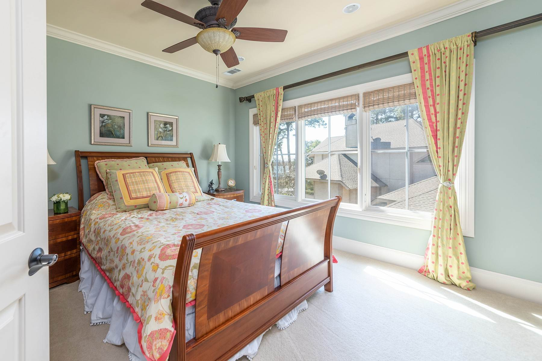 35. Single Family Homes for Sale at Widewater Waterfront Luxury 30 Widewater Road Hilton Head Island, South Carolina 29926 United States