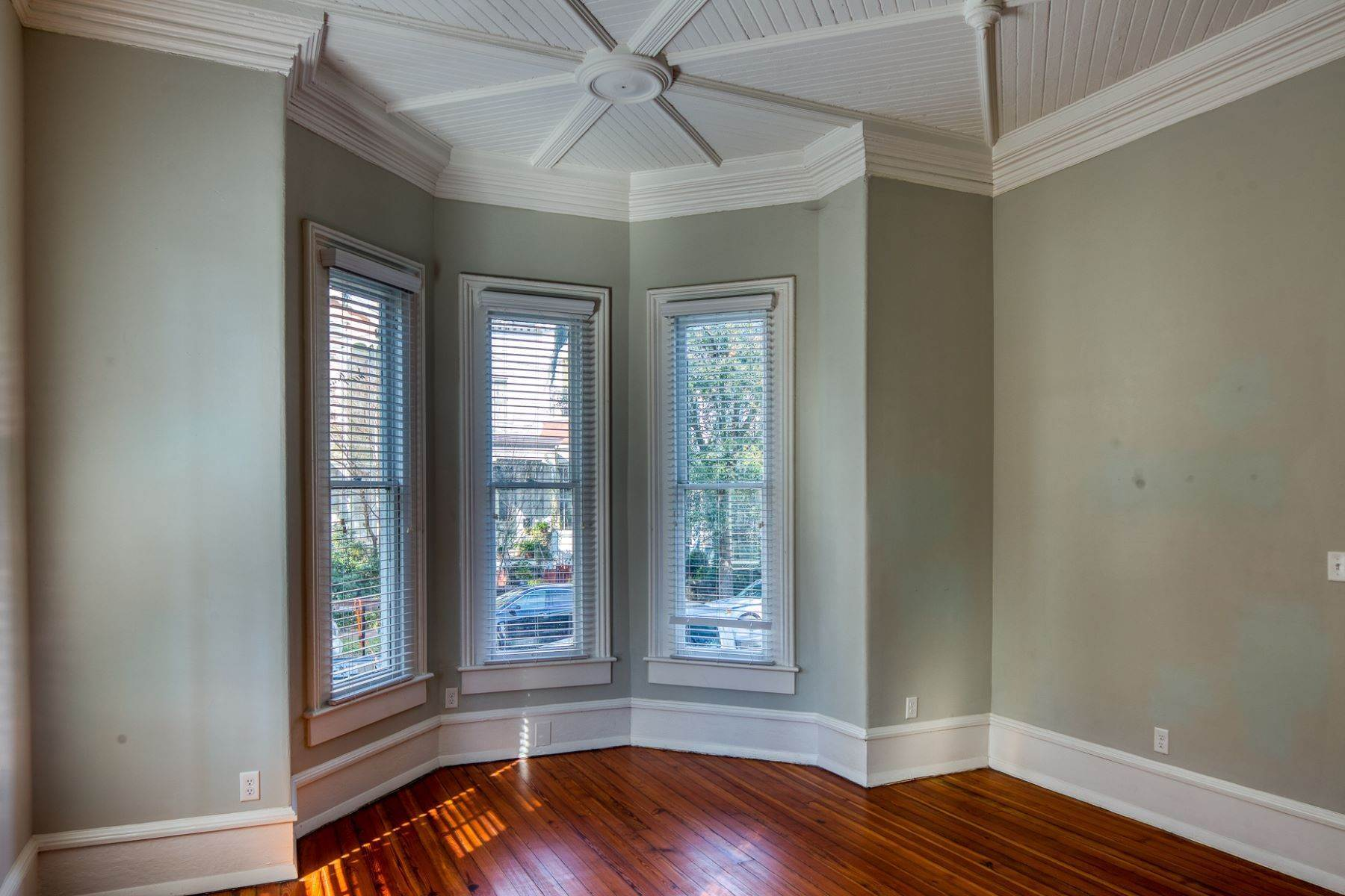 10. Property for Sale at Stunning Six Unit Victorian Apartment Building Near Forsyth Park 109 E Duffy Street Savannah, Georgia 31401 United States