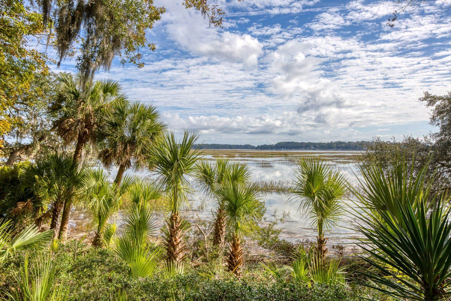 4. Single Family Homes for Sale at Endless May River Views! 75 Greenleaf Road Bluffton, South Carolina 29910 United States