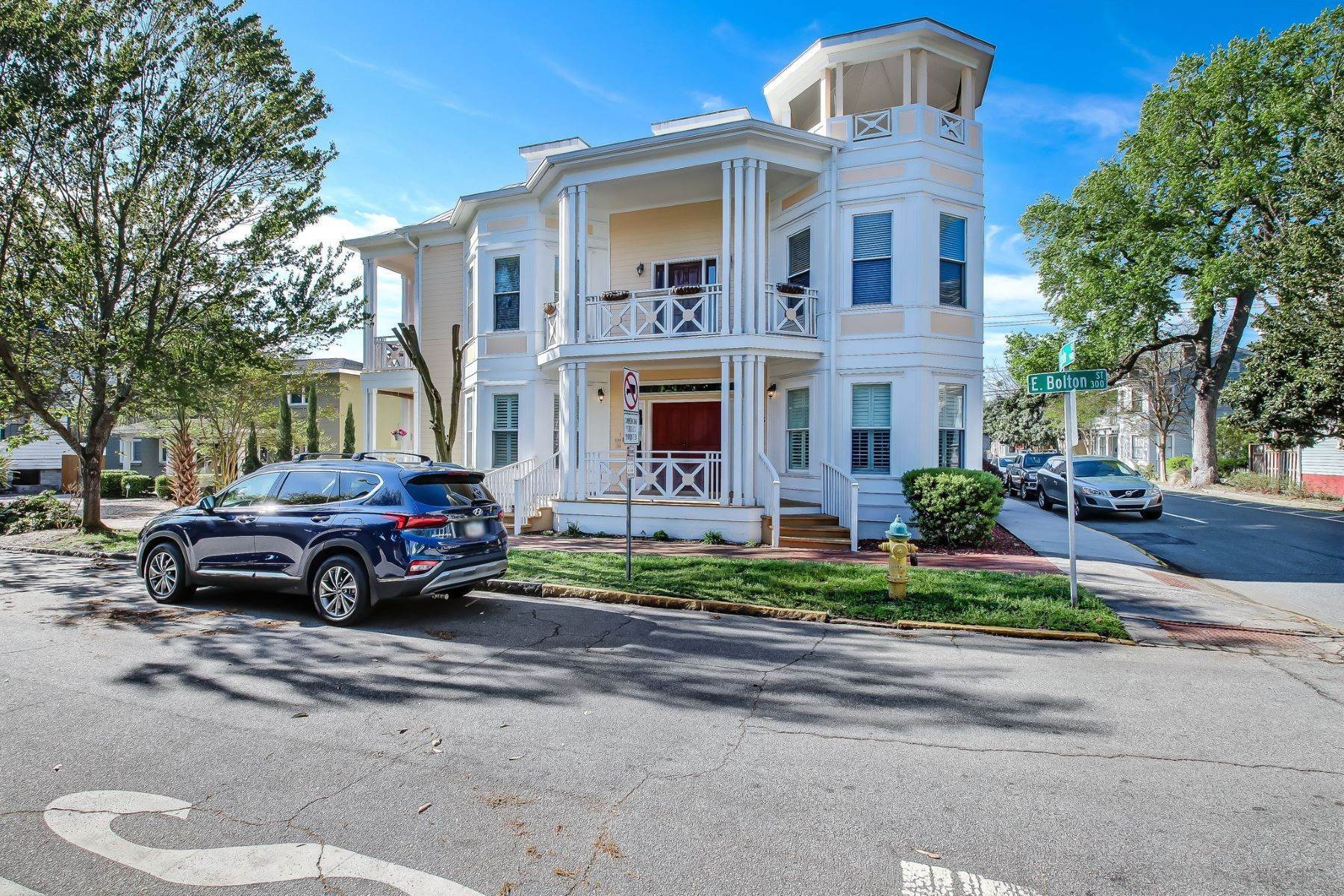 2. Condominiums for Sale at 305 E Bolton Street #101 Savannah, Georgia 31401 United States