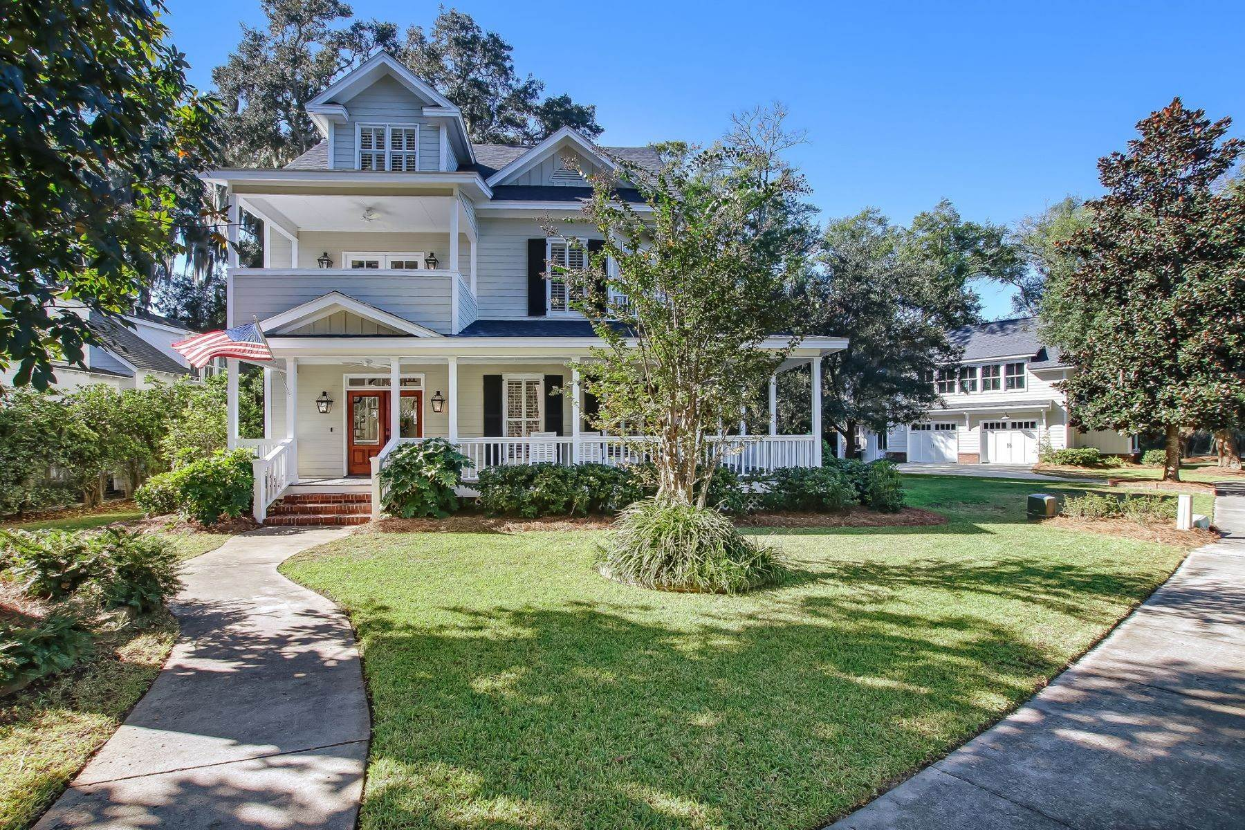 2. Single Family Homes for Sale at Low Country Home on Double Lot in Gated Community 203 John Wesley Way Savannah, Georgia 31404 United States