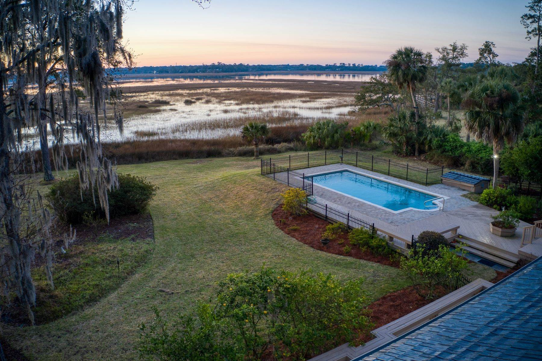 4. Single Family Homes for Sale at Live On Over 2.5 Acres That Overlook The Skidaway River And Beyond 41 Island Drive Savannah, Georgia 31406 United States