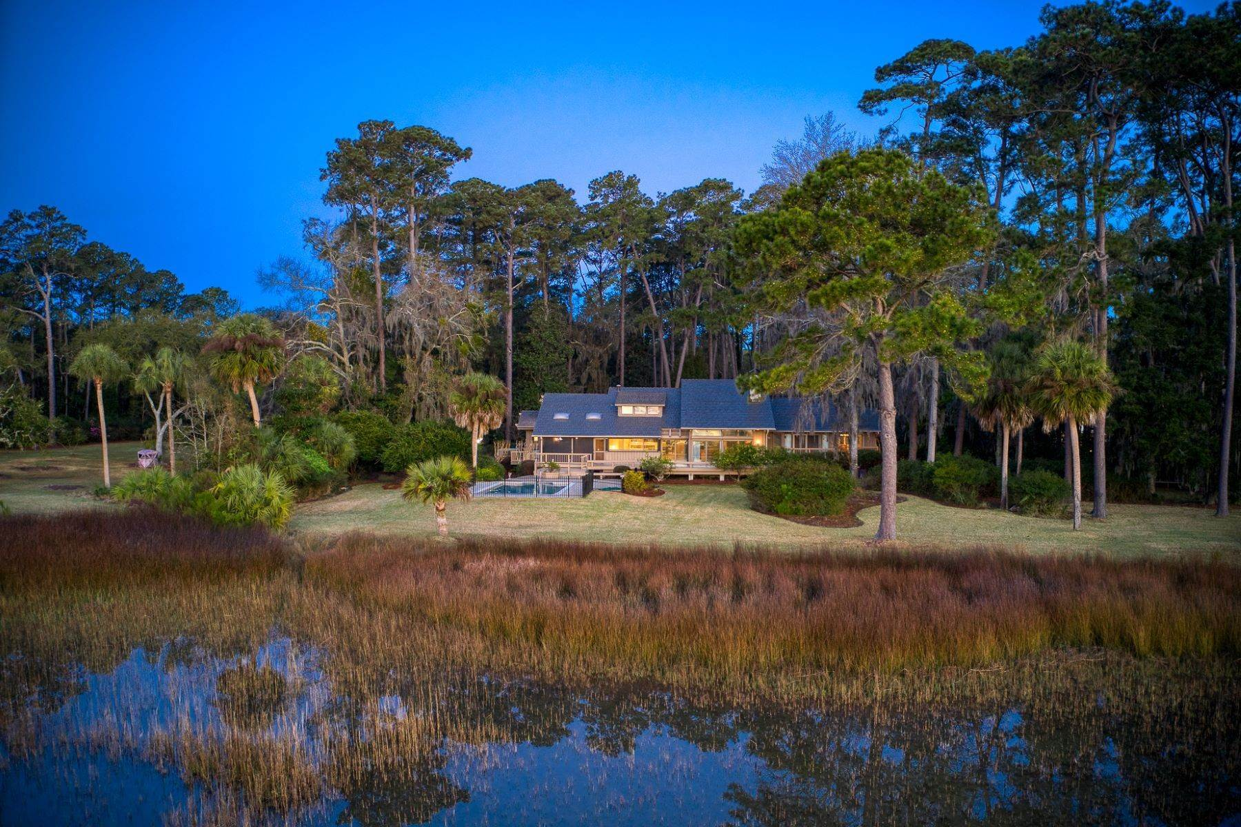 43. Single Family Homes for Sale at Live On Over 2.5 Acres That Overlook The Skidaway River And Beyond 41 Island Drive Savannah, Georgia 31406 United States
