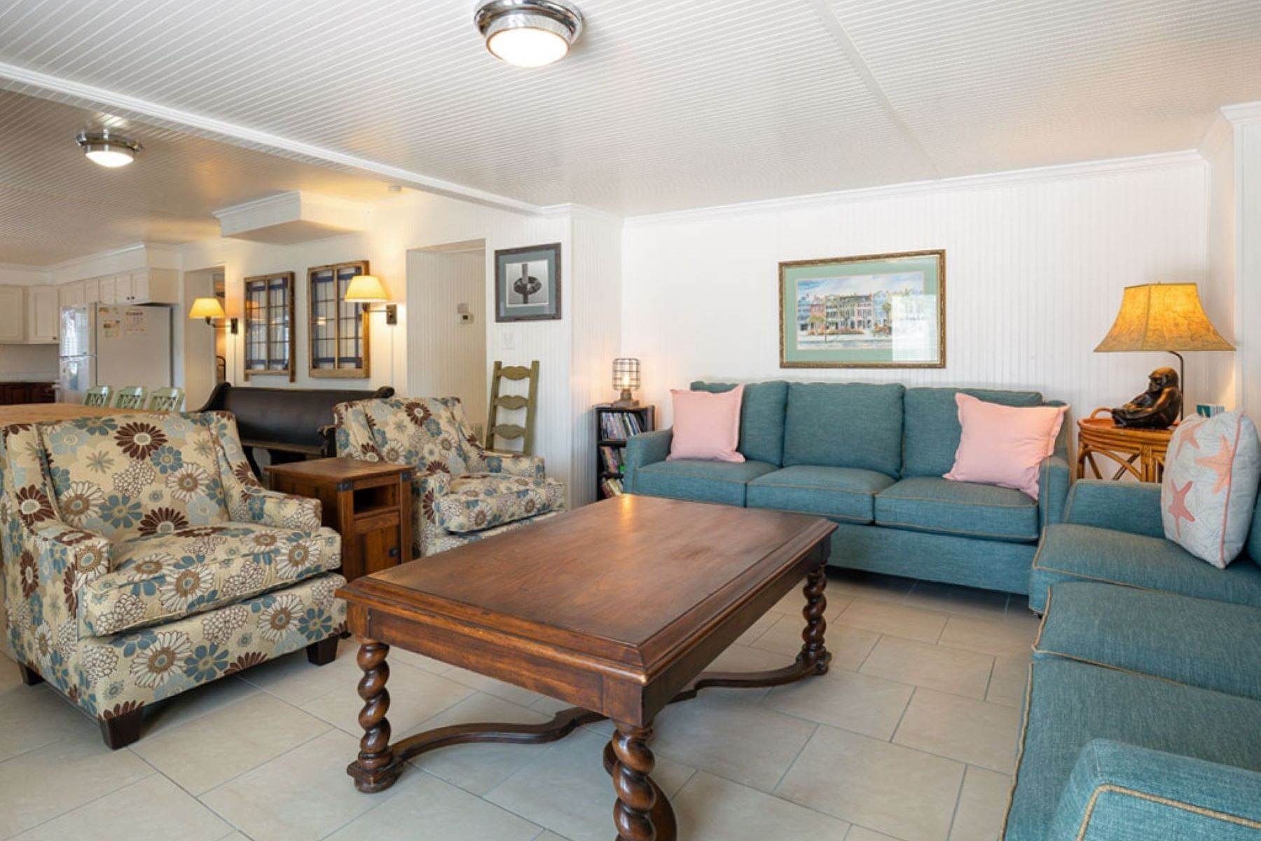 11. Single Family Homes for Sale at The Ultimate Tybee Home With In-Ground Pool And Dock On Tidal Creek 701 13th Street Tybee Island, Georgia 31328 United States