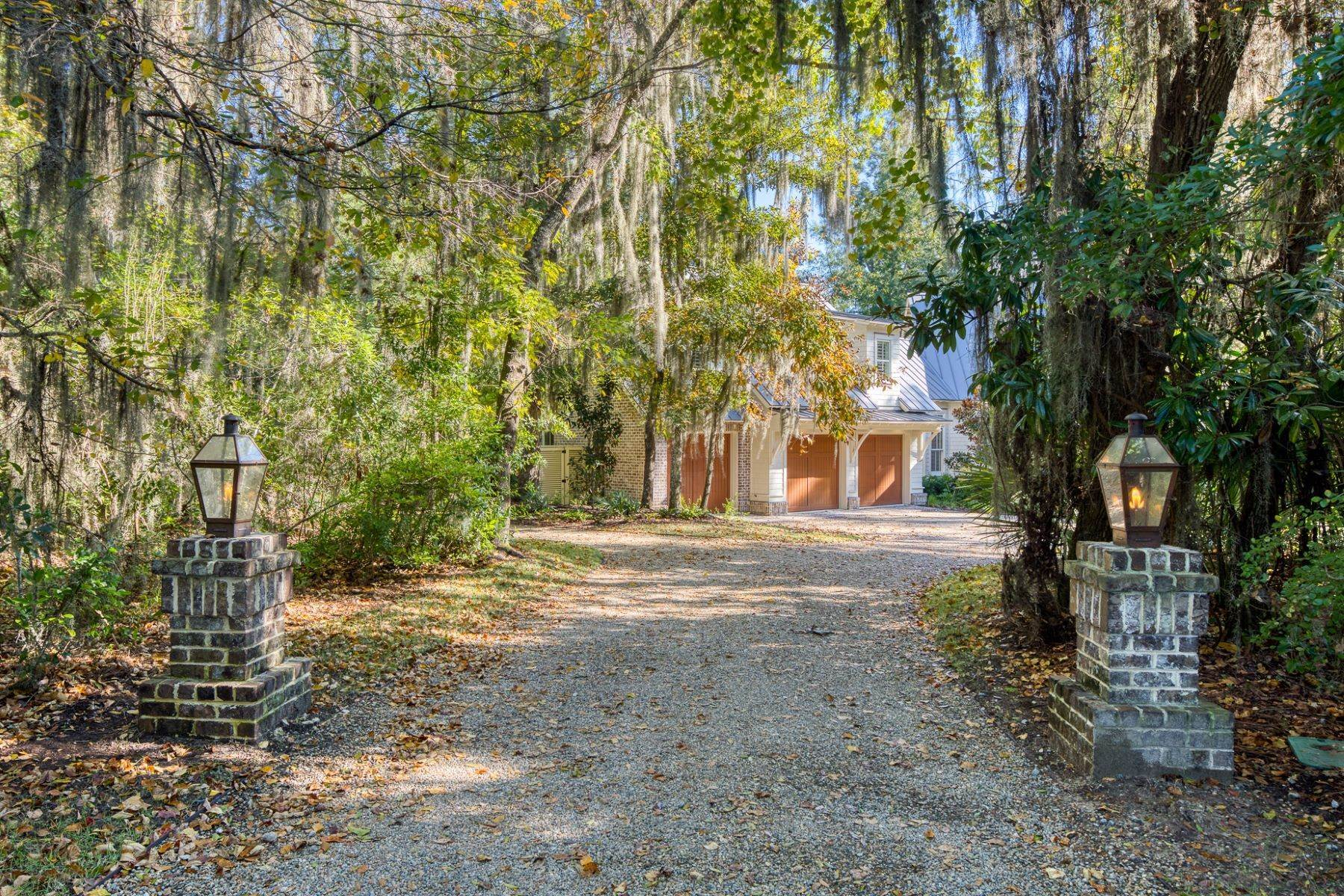 2. Single Family Homes for Sale at 133 Mount Pelia Road Bluffton, South Carolina 29910 United States