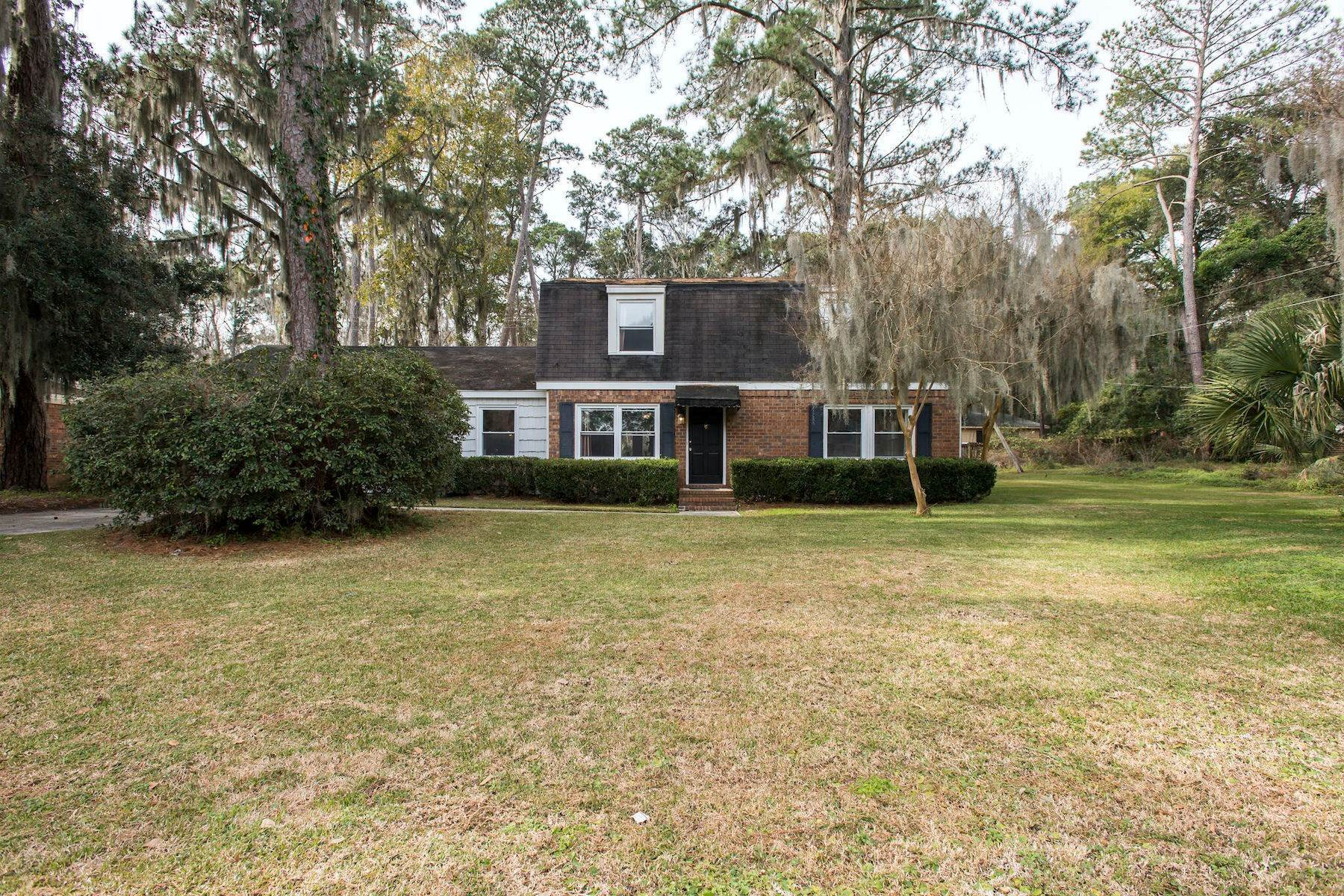 Single Family Homes for Sale at Charming Cape Cod Style on Large Serene Lot 407 Sandhill Rd Savannah, Georgia 31410 United States
