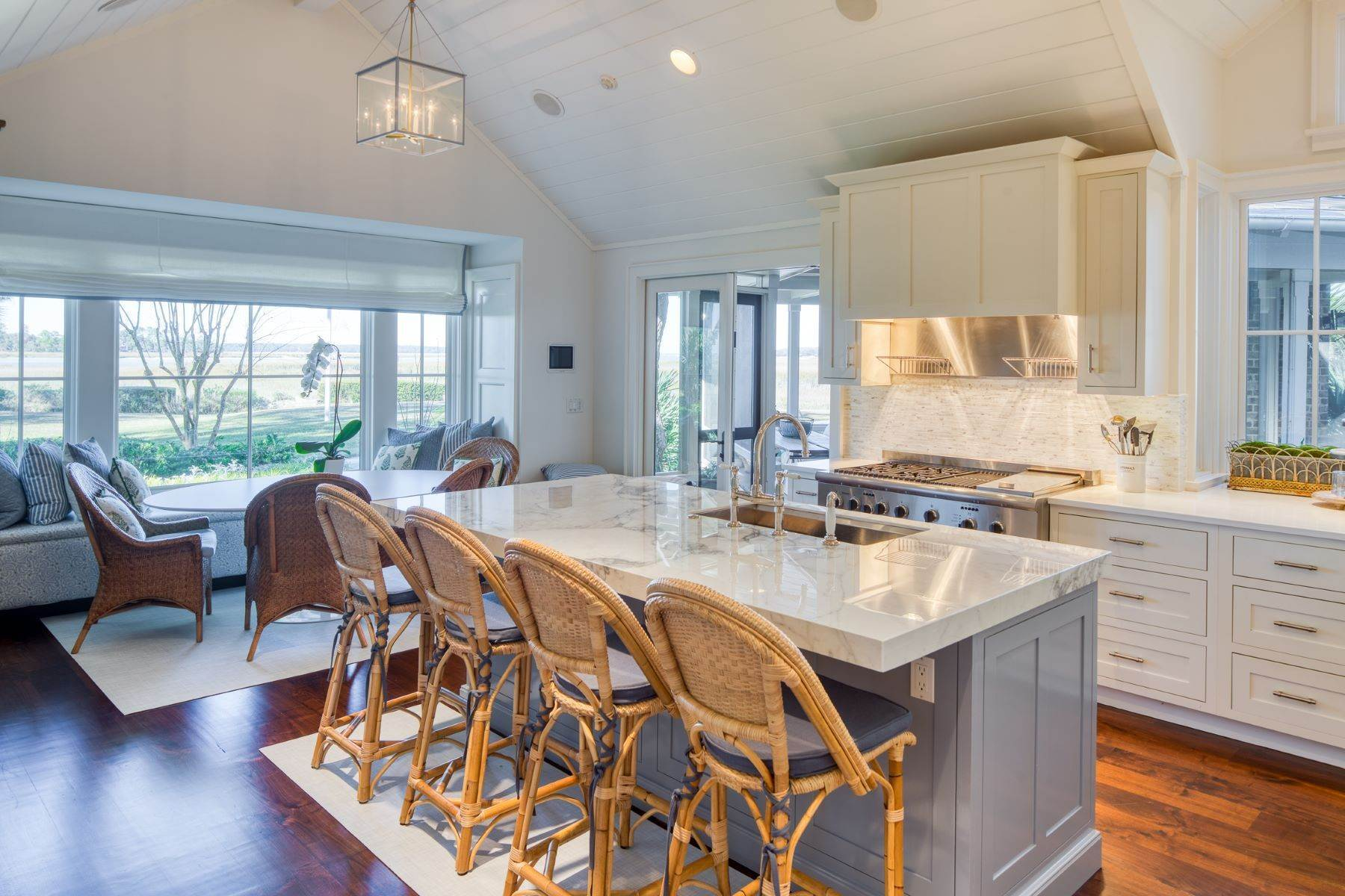 17. Single Family Homes for Sale at Premier Waterfront 71 North Calibogue Cay Hilton Head Island, South Carolina 29928 United States