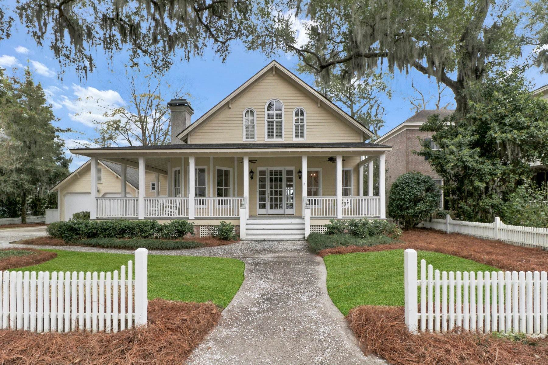 Single Family Homes for Sale at Charming Coastal Home in Emerald Pointe 108 John Wesley Way Savannah, Georgia 31404 United States