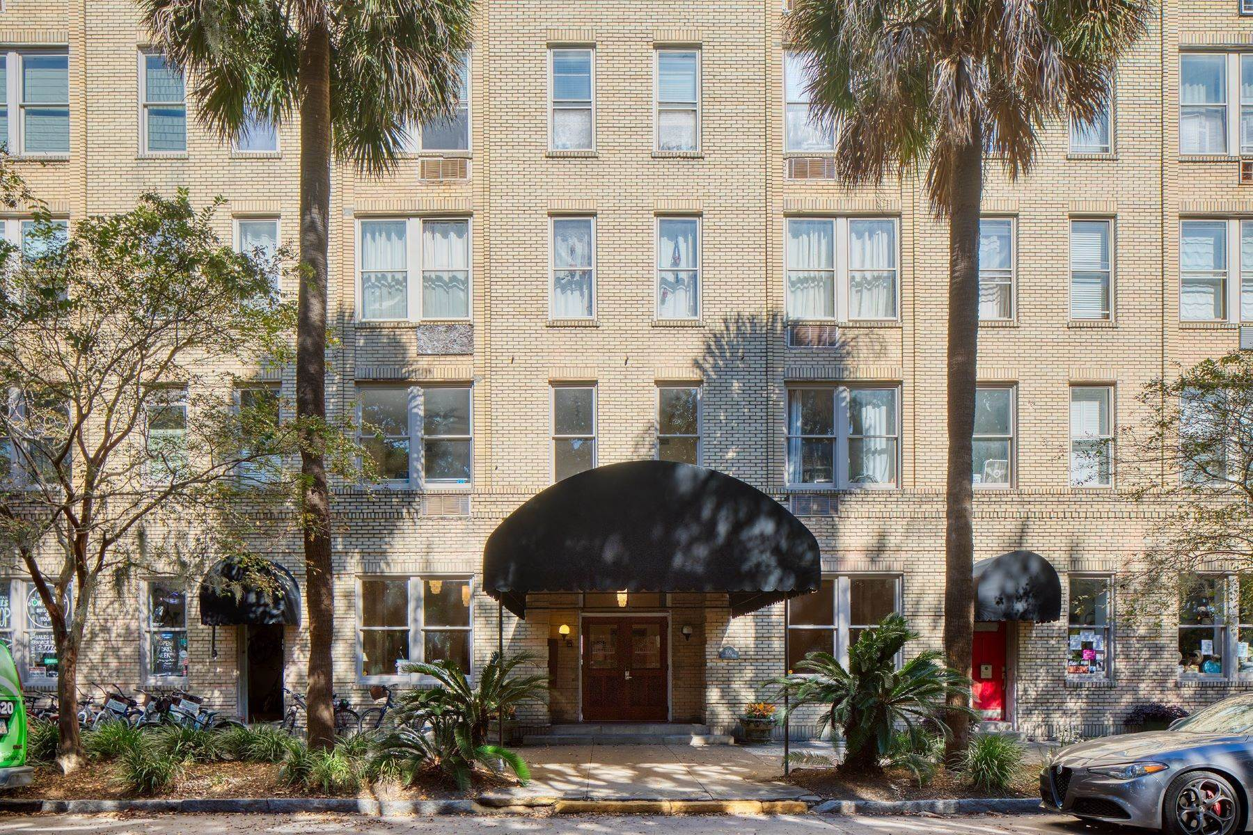 Condominiums for Sale at Historic Landmark District Condominium 106 W Gwinnett Street #5C Savannah, Georgia 31401 United States