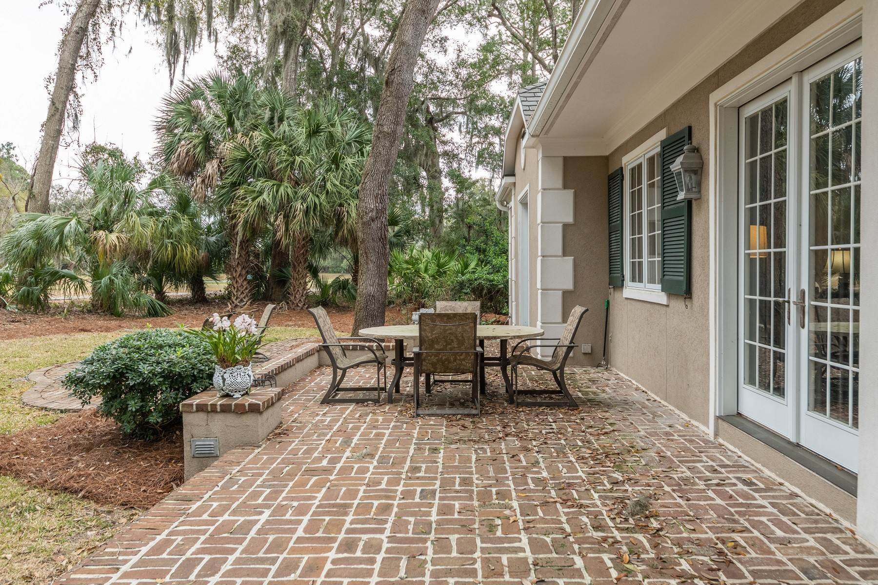 4. Single Family Homes for Sale at Golf Community and Resort Living 7 Middleton Gardens Place Bluffton, South Carolina 29910 United States