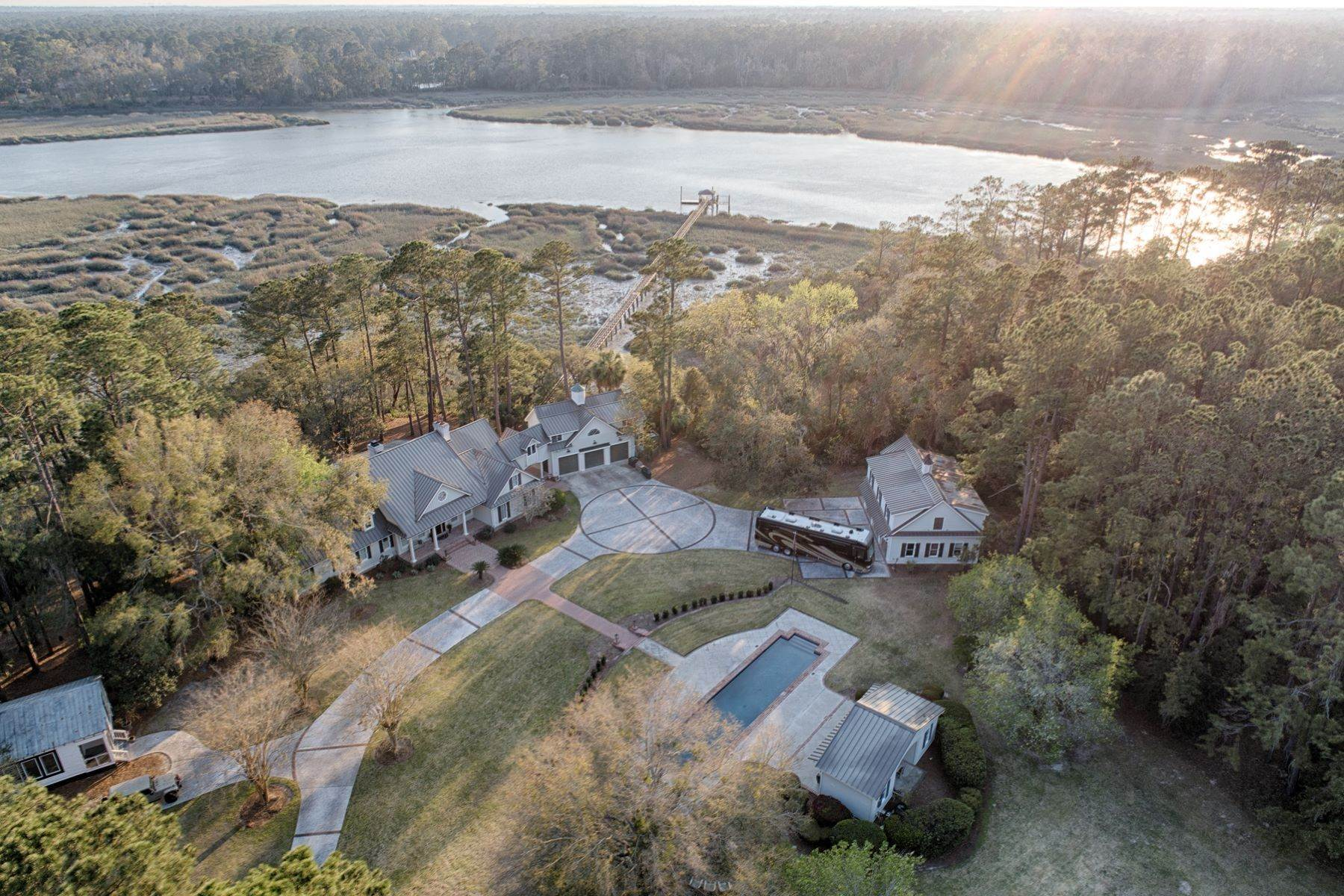5. Single Family Homes for Sale at 7 Acres in Gascoigne Bluff 155 Gascoigne Bluff Road Bluffton, South Carolina 29910 United States