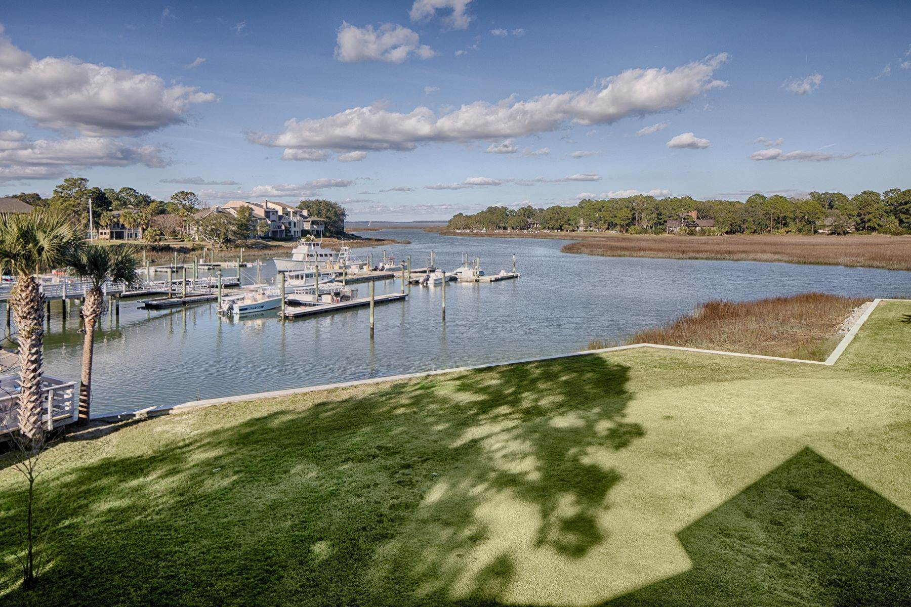 32. Single Family Homes for Sale at 12 Portside Drive Hilton Head Island, South Carolina 29928 United States