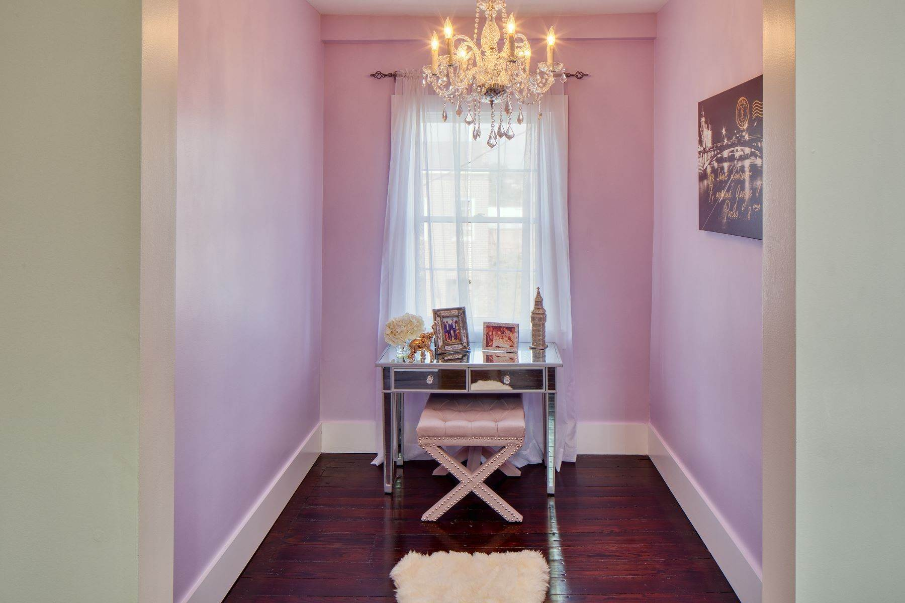 19. townhouses for Sale at Completely Renovated Historical c 1851 Townhouse In the Heart of Savannah 507 E McDonough Street Savannah, Georgia 31401 United States