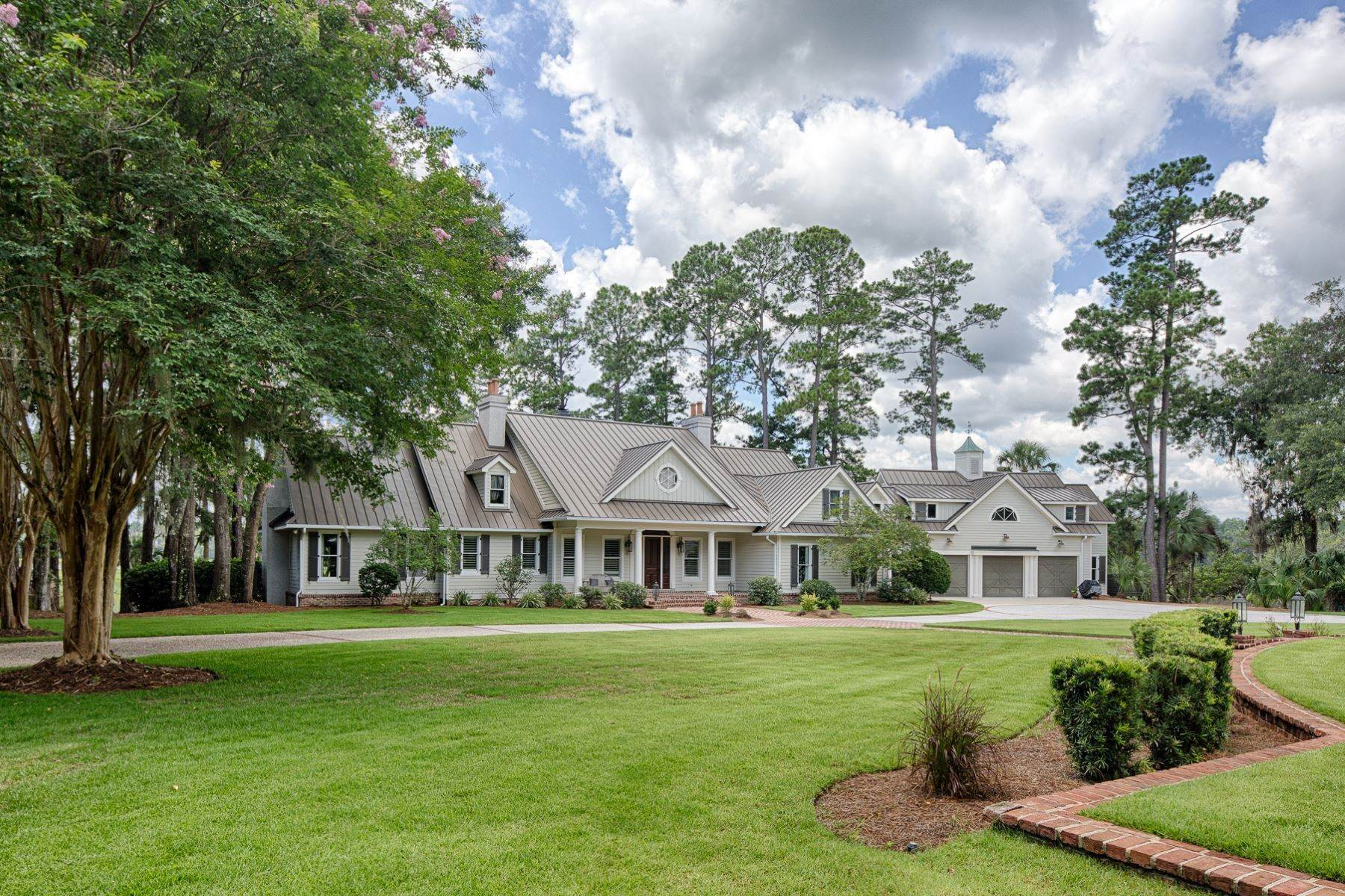 7. Single Family Homes for Sale at 7 Acres in Gascoigne Bluff 155 Gascoigne Bluff Road Bluffton, South Carolina 29910 United States