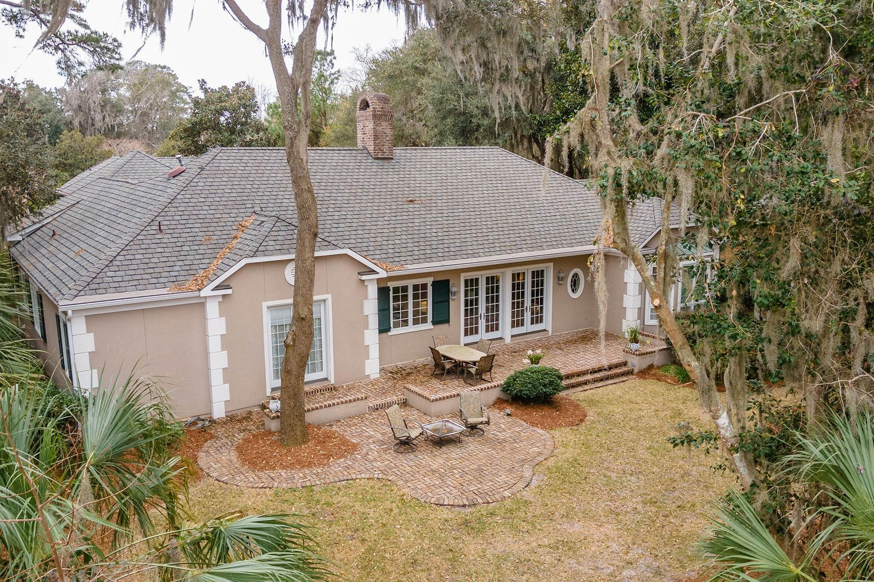 45. Single Family Homes for Sale at Golf Community and Resort Living 7 Middleton Gardens Place Bluffton, South Carolina 29910 United States