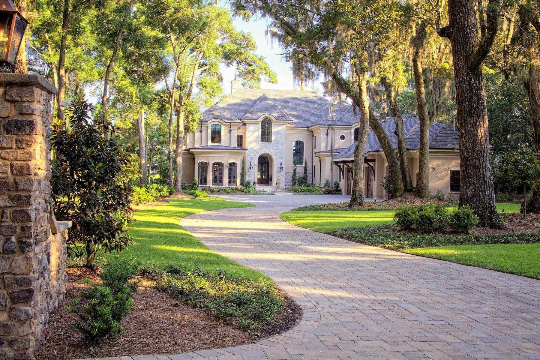 47. Single Family Homes for Sale at Exclusive Tidewater Landing 90 Tidewater Manor Hilton Head Island, South Carolina 29926 United States