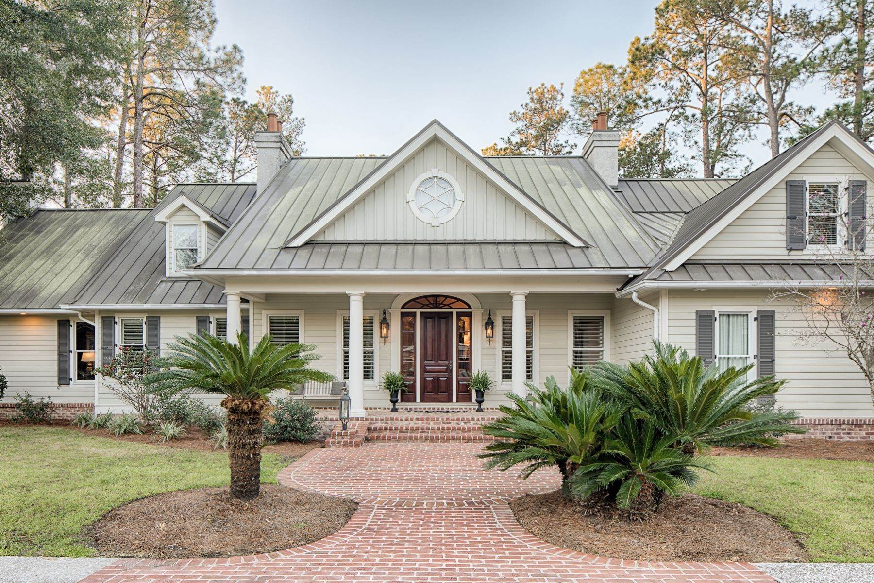 8. Single Family Homes for Sale at 7 Acres in Gascoigne Bluff 155 Gascoigne Bluff Road Bluffton, South Carolina 29910 United States