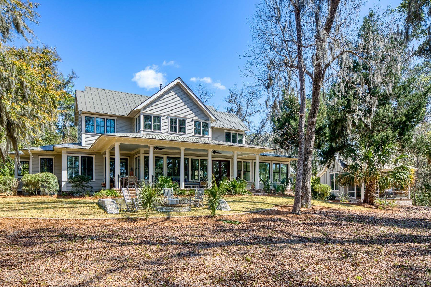 35. Single Family Homes for Sale at Peaceful Private Retreat 11 Dutch House Circle Bluffton, South Carolina 29910 United States