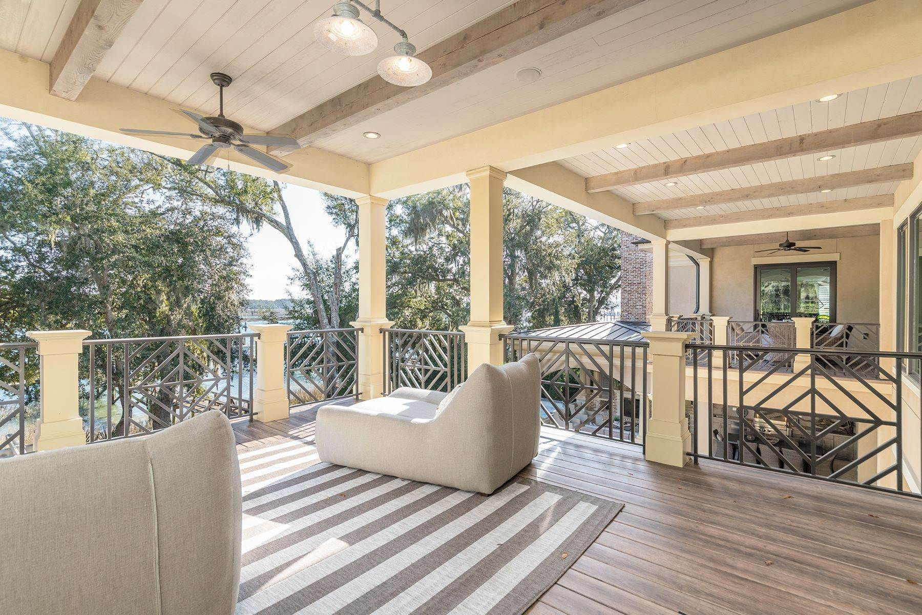 31. Single Family Homes for Sale at Exclusive Tidewater Landing 90 Tidewater Manor Hilton Head Island, South Carolina 29926 United States