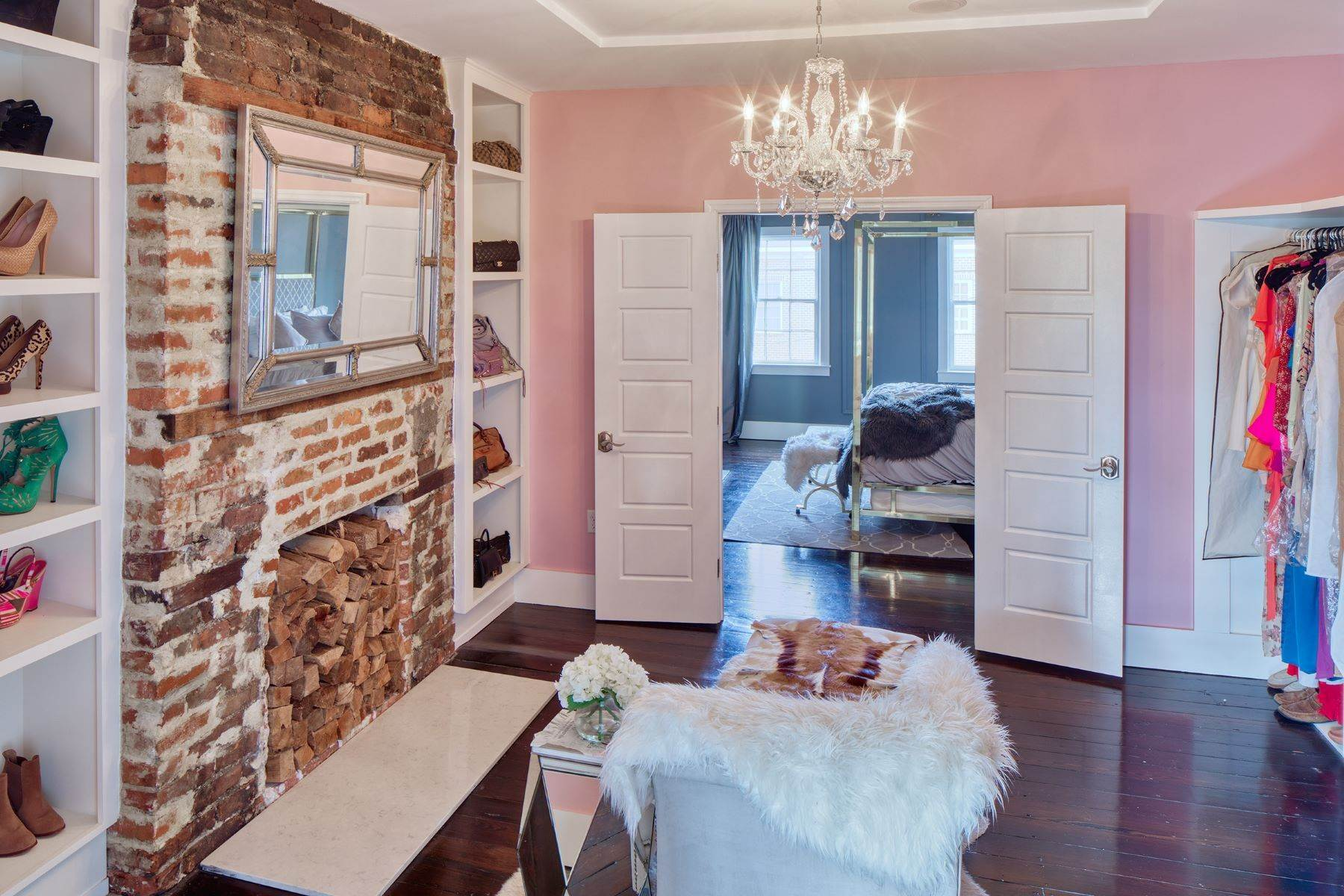 16. townhouses for Sale at Completely Renovated Historical c 1851 Townhouse In the Heart of Savannah 507 E McDonough Street Savannah, Georgia 31401 United States