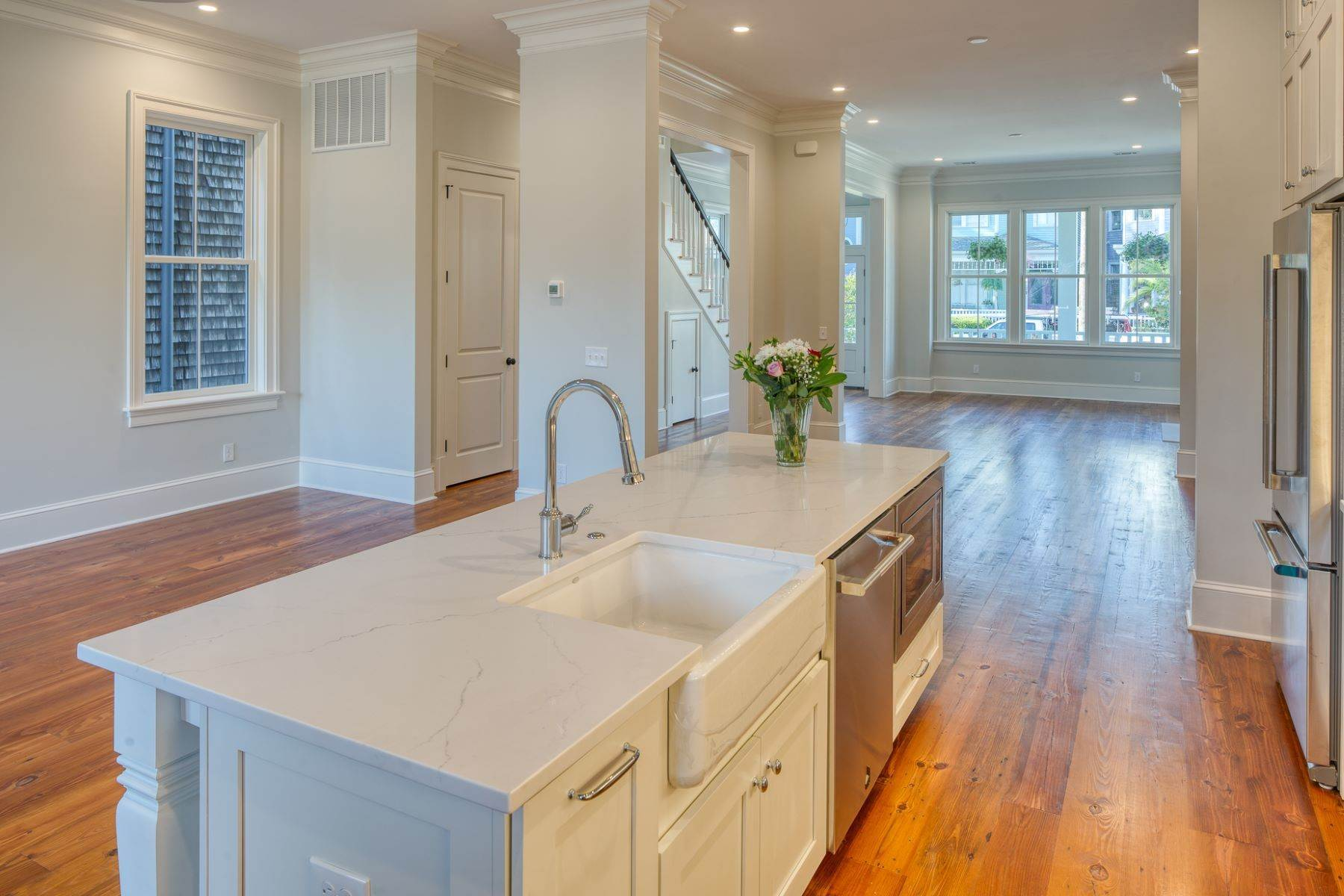 11. Single Family Homes for Sale at Incredible New Construction Home Located In The Starland District 118 E 36th Street Savannah, Georgia 31401 United States