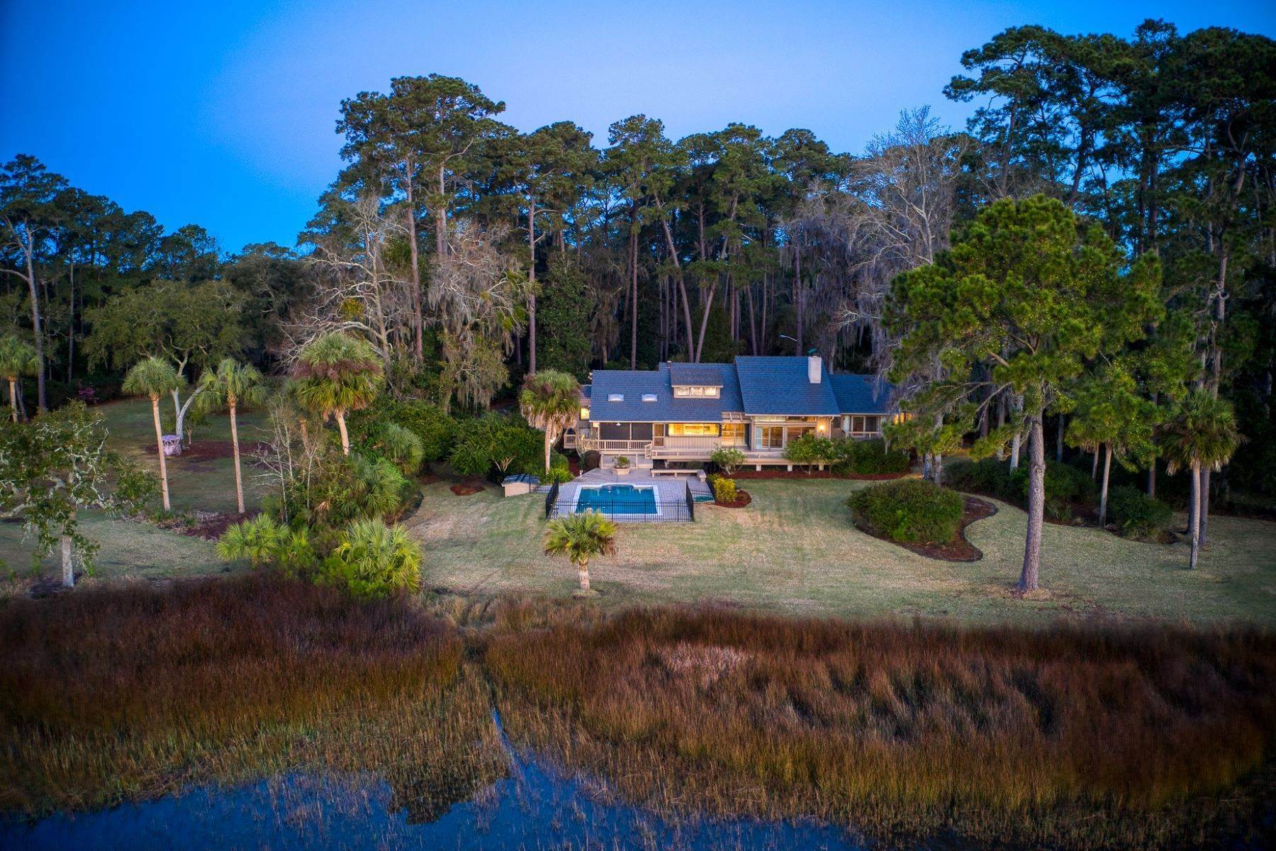 11. Single Family Homes for Sale at Live On Over 2.5 Acres That Overlook The Skidaway River And Beyond 41 Island Drive Savannah, Georgia 31406 United States