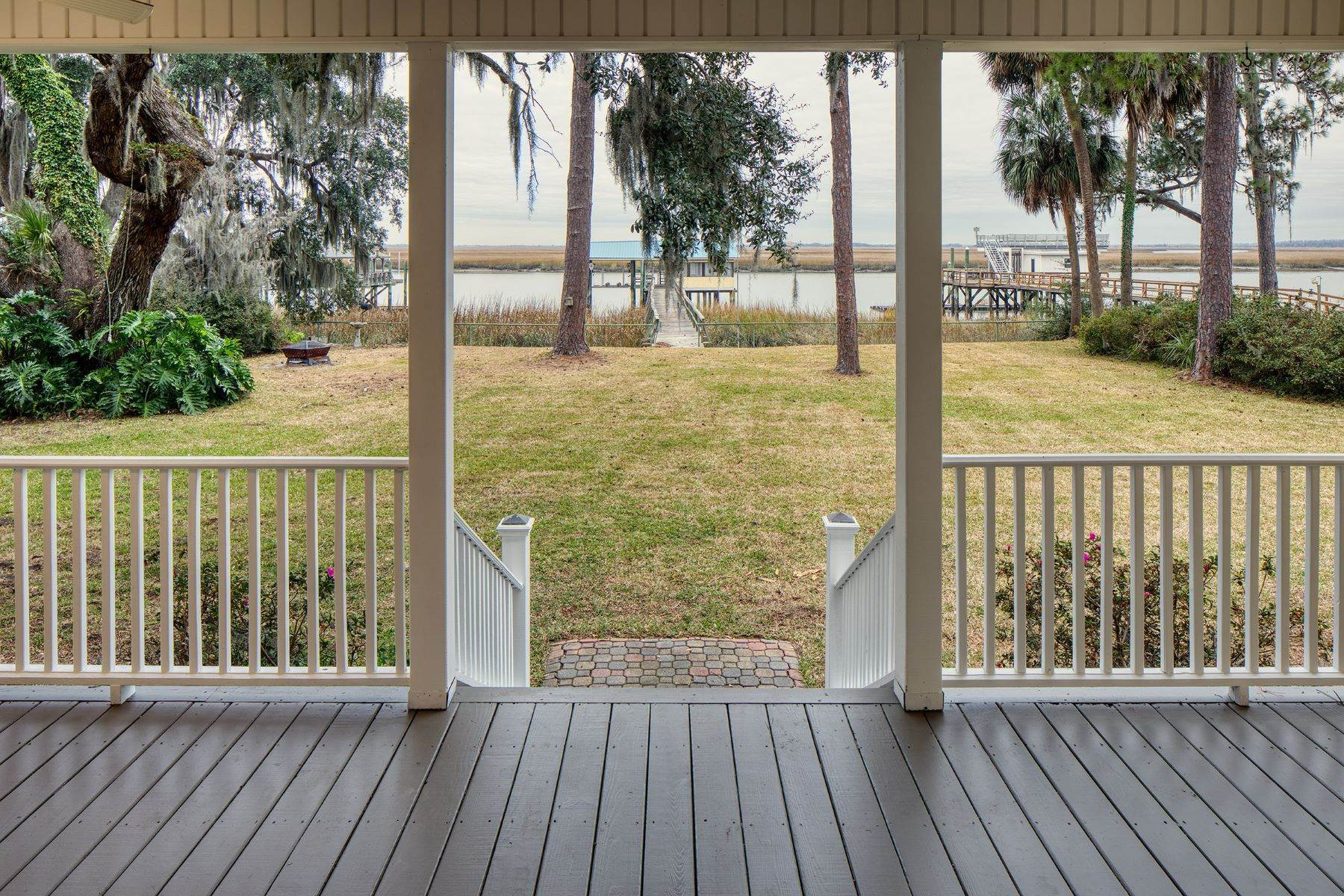 5. Single Family Homes for Sale at Custom Built home on Deep Water 35 Falligant Avenue Savannah, Georgia 31410 United States